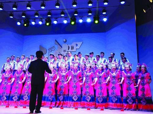 高雅艺术进校园中小学生领略合唱魅力
