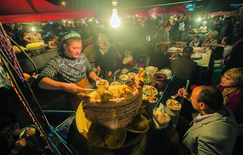 喀什夜市美食多