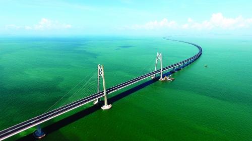 港珠澳大桥主体工程全线贯通