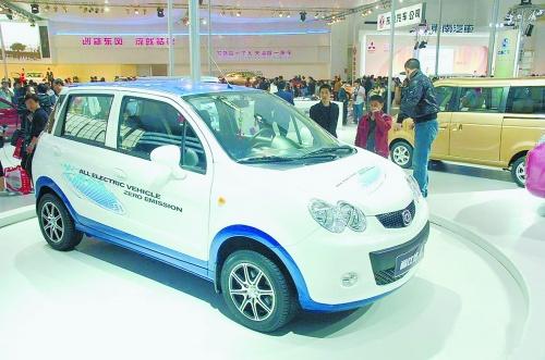 然而,中国新能源汽车的发展之路走得并不顺利,期间纯电动车,混合动力