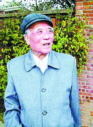 后来,《谁是最可爱的人》入选中学语文课本,影响了数代中国人.