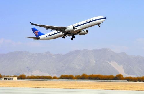 这意味着将大幅提升南航航班在拉萨机场的正点率和安全飞行能力.
