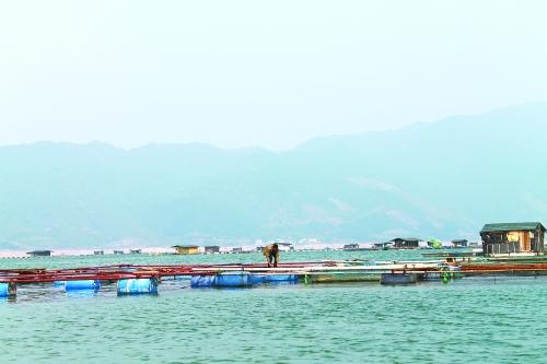 包括在漓江风景名胜区河道管理范围两侧可视范围以内