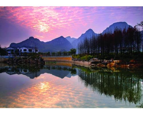 桂林晚霞的风景国画