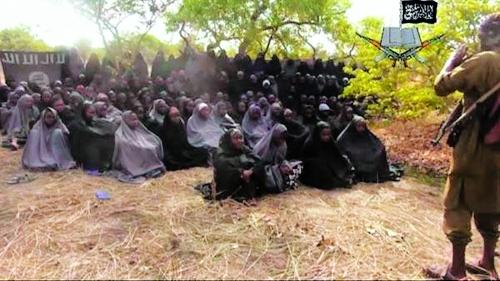 尼极端组织公布被绑女孩视频