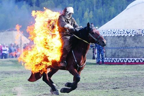 烈焰战马图片