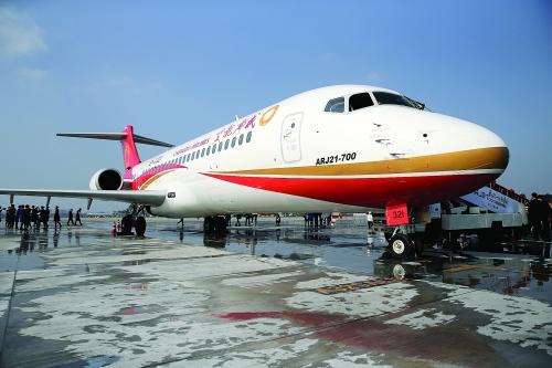 我国ARJ21新支线飞机从上海飞往成都