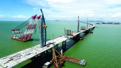 港珠澳大桥主体桥梁合龙