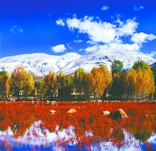 景区评价稻城亚丁旅游风景区位于四川甘孜藏族自治州南部,被誉为最